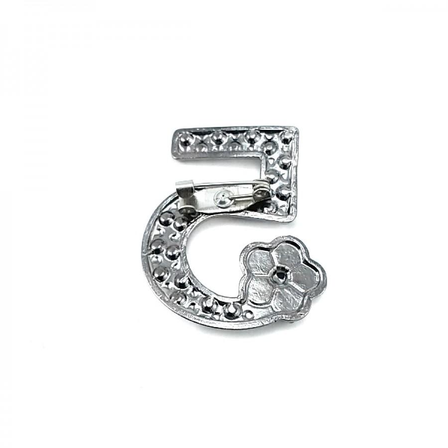 5 Numara Taşlı ve Şık Gümüş Renk Broş BRS0018